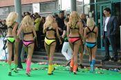 Мобильные блондинки голые фото забавное